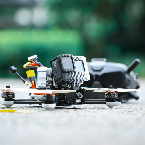 drone fpv cinématqiue avec gopro hero 9 black et masque dji fpv
